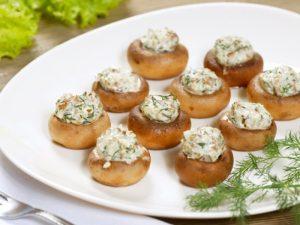 Ciuperci umplute cu branza